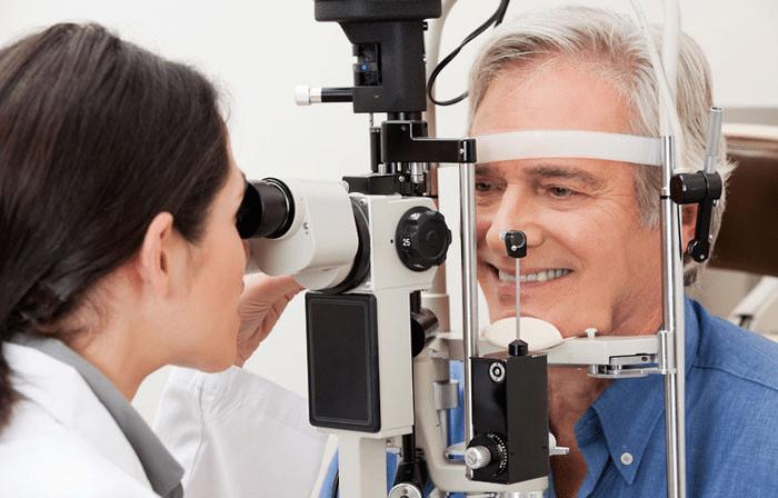 chequeos visuales con frecuencia para Miopía