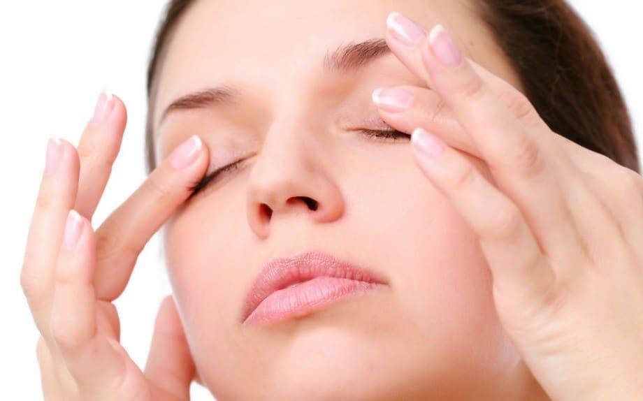 enjuagar los ojos para erradicar la blefaritis