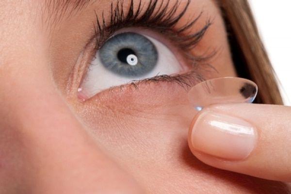 Lentec de contacto son correctivos pasajeros en una Miopía