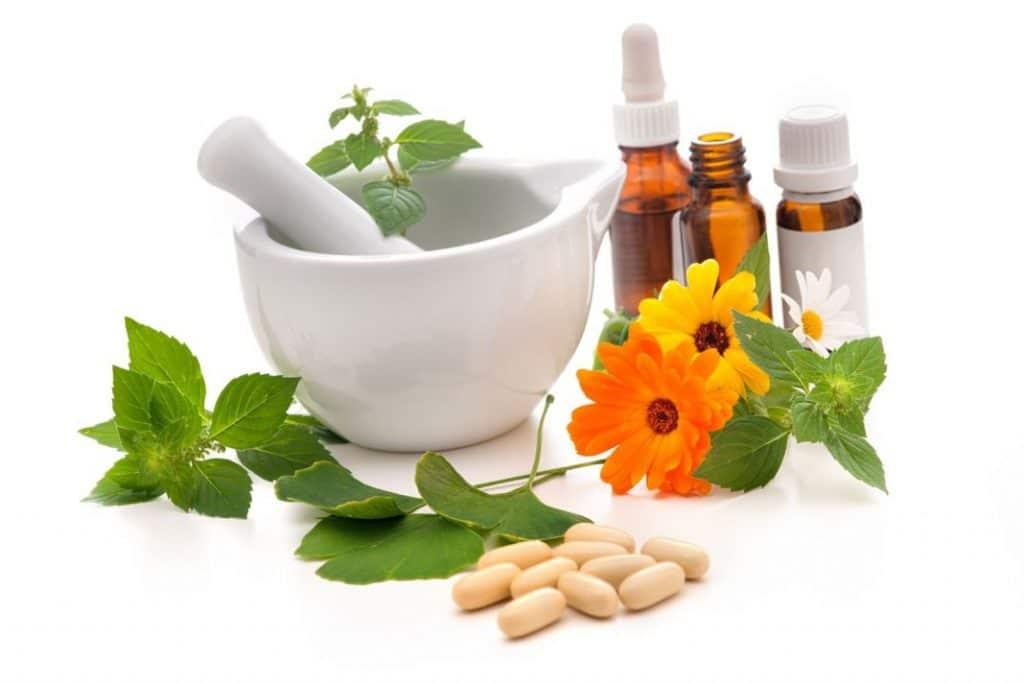 Image result for medicina convencional y tradicional