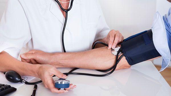 bajar presión arterial ante pasos de Epistaxis