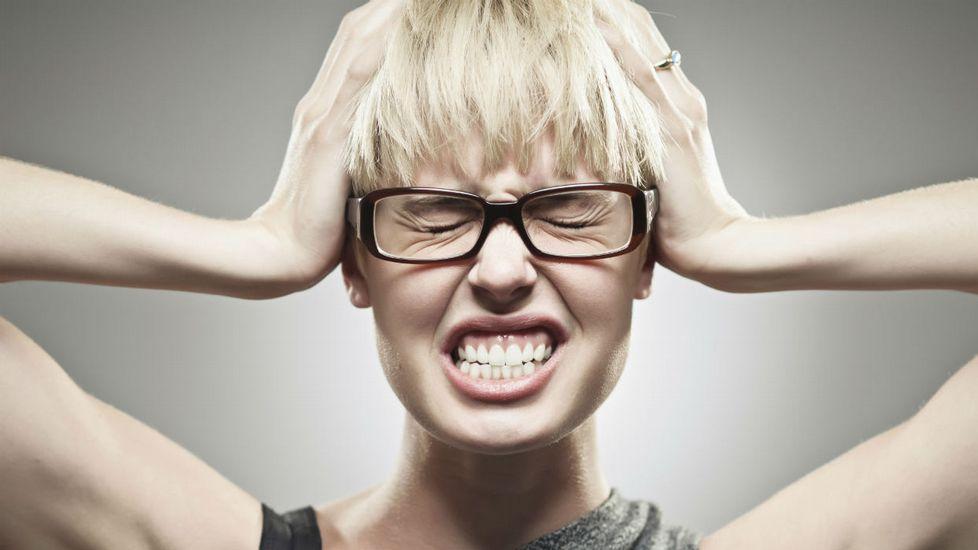 que el el bruxismo y dolor de oidos