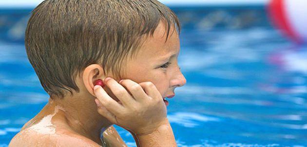 Otitis por agua de piscina