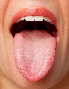 Enfermedades de la lengua: Tipos, síntomas, tratamientos y más